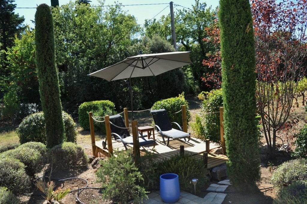 Le Kiosque aux Amoureux pour s'isoler autour de la piscine