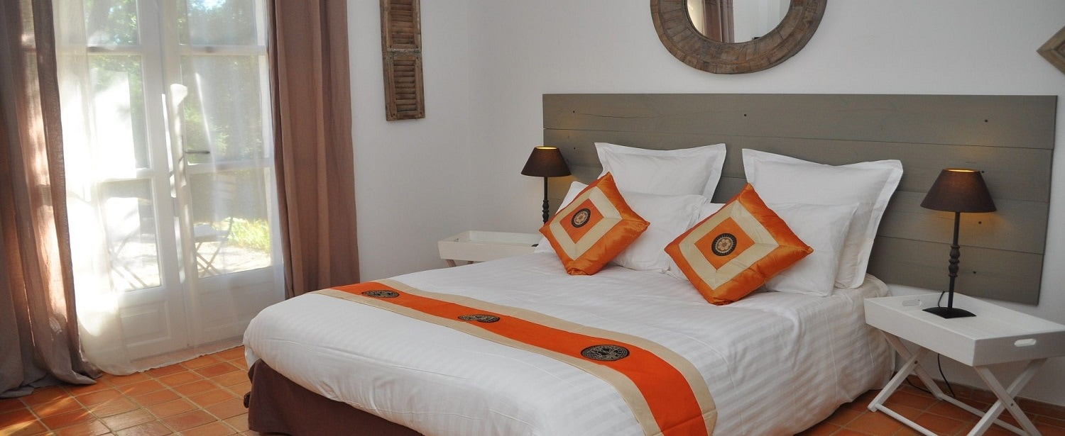 La Chambre Orange avec Jacuzzi Privatif
